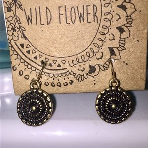 WildFlower Dainty Round earrings gold medallion